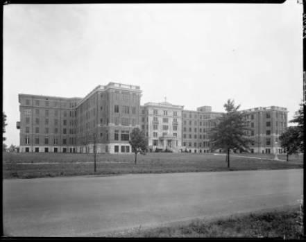 St_Josephs_Infirmary_Louisville_Kentucky_1928.jpg